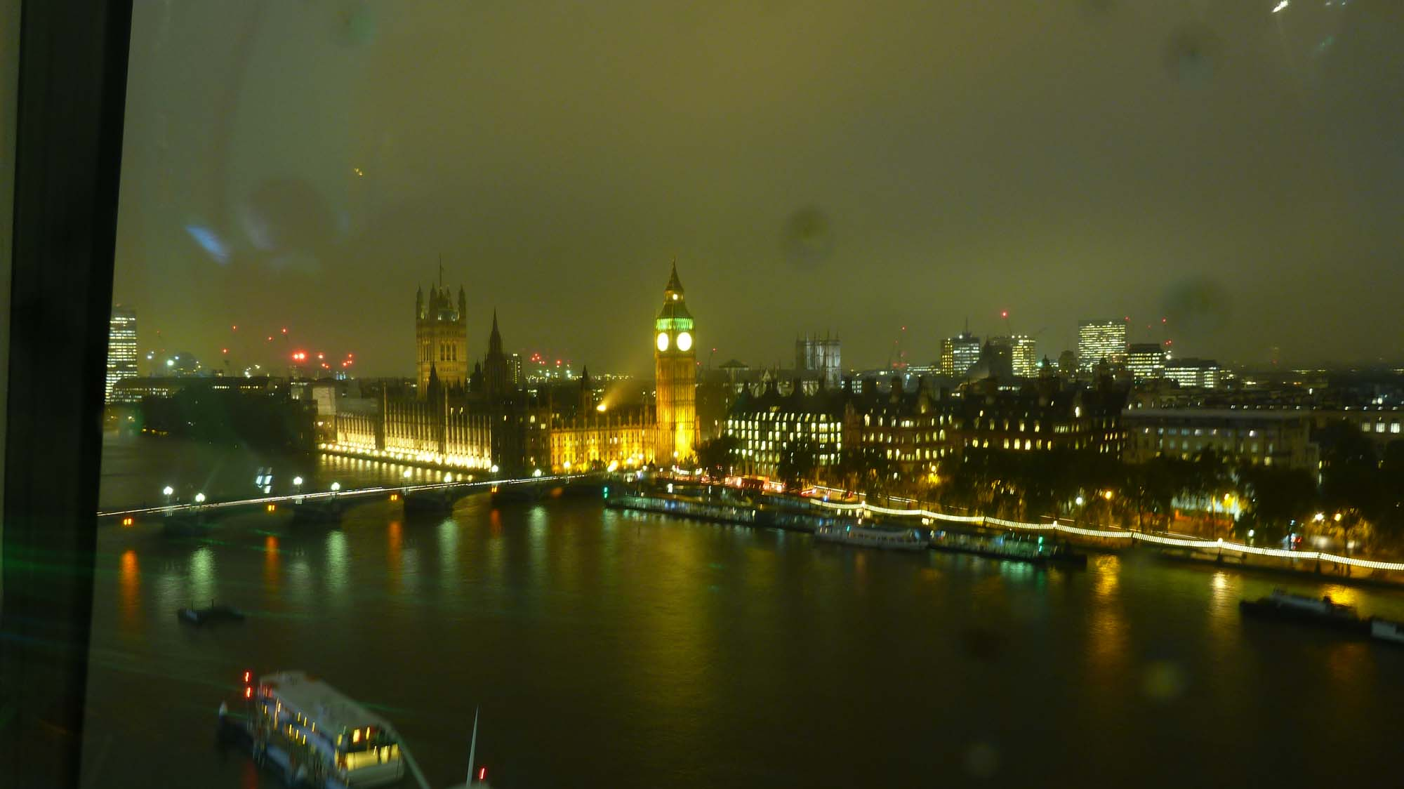 Blick vom London Eye auf den Big Bang und den Tower of London