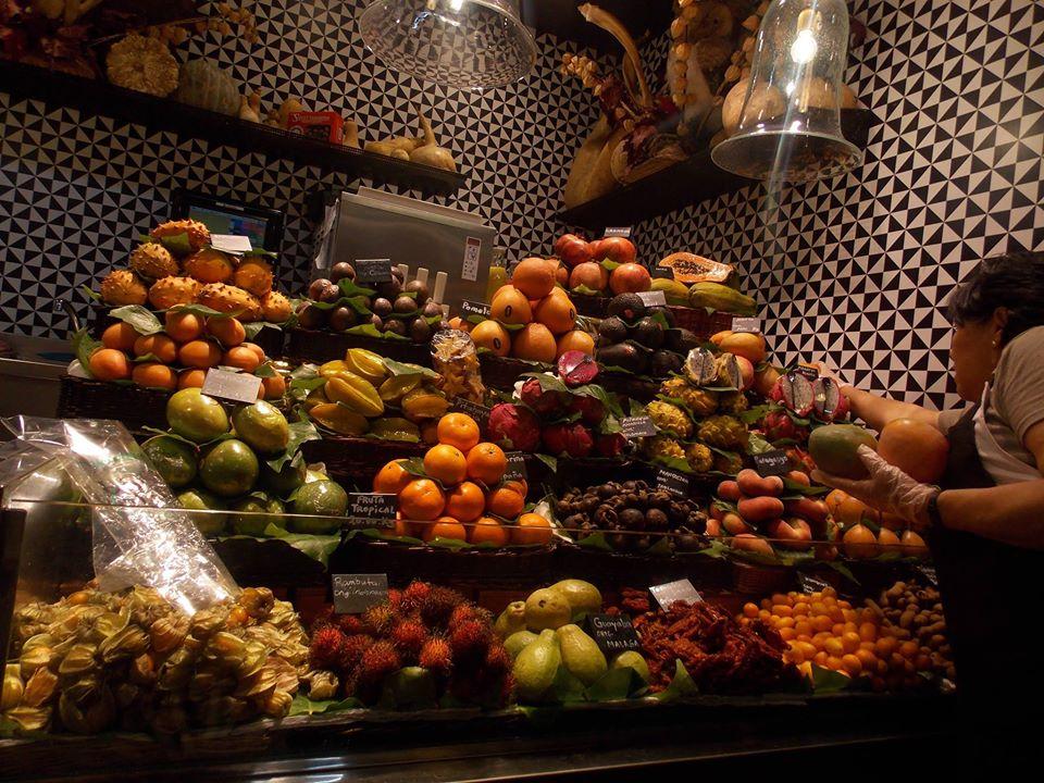Obst aus aller Welt auf dem Mercat de la Boqueria